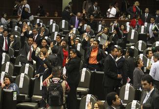 Crisis europea y dificultades financieras en EU son riesgo para México, advierte CEFP