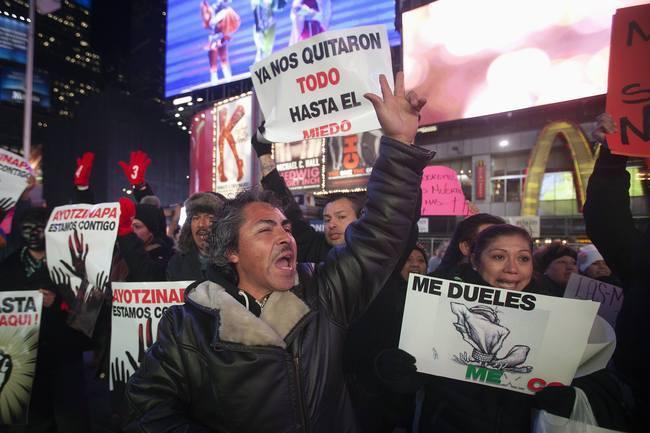 Violentos no pudieron opacar el clamor de miles durante marcha en el DF   Noticias MVS