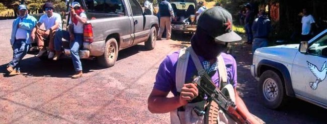 Autodefensas ingresan a Uruapan